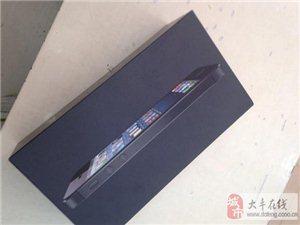 黑色苹果5今天7月份买的,还在保,可以去换新机的,