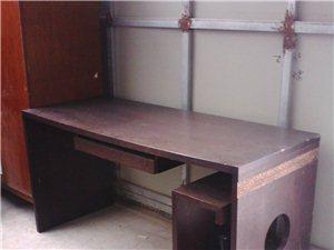 出售电脑桌
