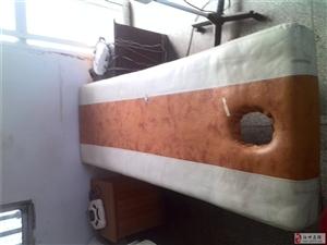 按摩床六张、理疗机数台、TDP烤灯五台