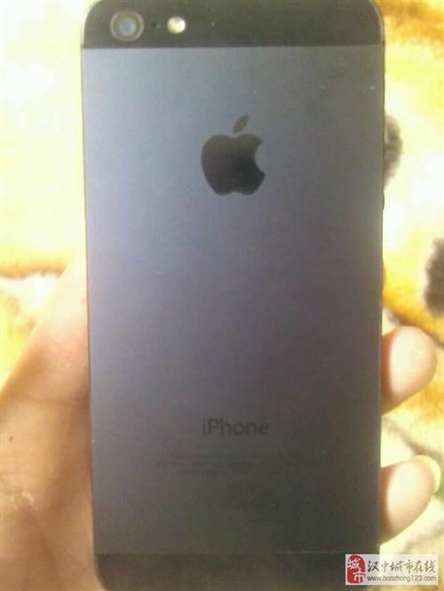 出售九成新黑色iphone5一台
