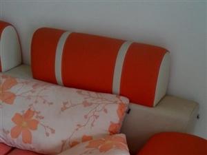 出售二手床、沙发
