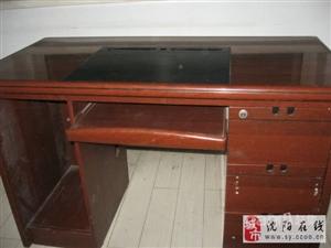 电脑桌一张 - 150元