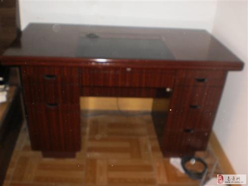 99新集办公桌和电脑桌于一体家具理想桌