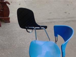培训班辅导班用的培训椅100张左右出售