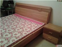 低价出售九成新双人床