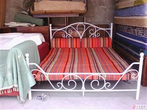 二手九五成新一米五床和床垫