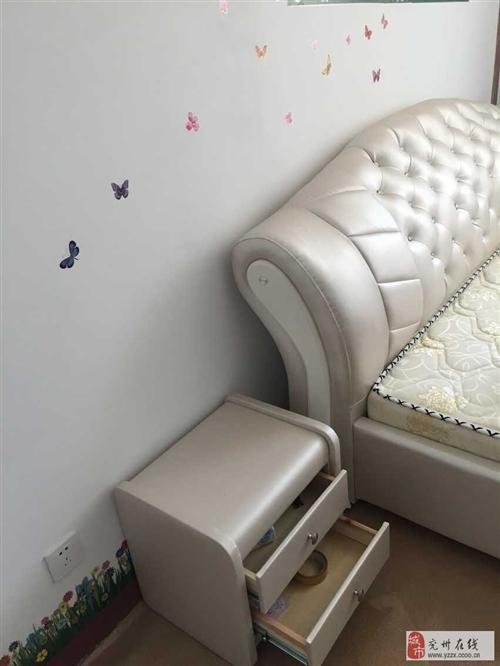 全新歐式雙人皮床+28厘米半棕半簧床底+全皮床頭柜