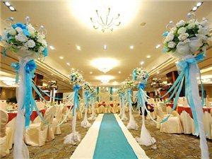 蓝色经典婚礼布置