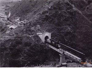 1005施工中的旬阳牛圈沟隧道